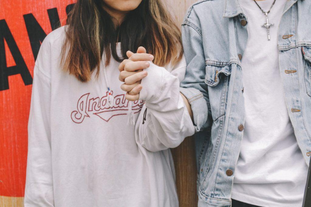 Pendapat Wanita Tentang Membuat Rekening Gabungan dengan Pasangan