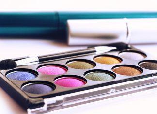 10 Trik Perpanjang Daya Tahan Produk Makeup