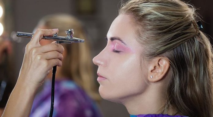 Pro dan Kontra dari Teknik Airbrush Makeup