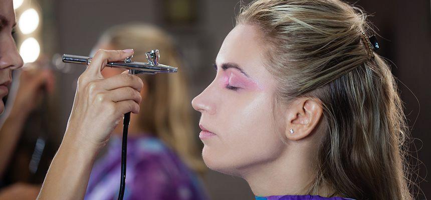 Teknik Airbrush Makeup