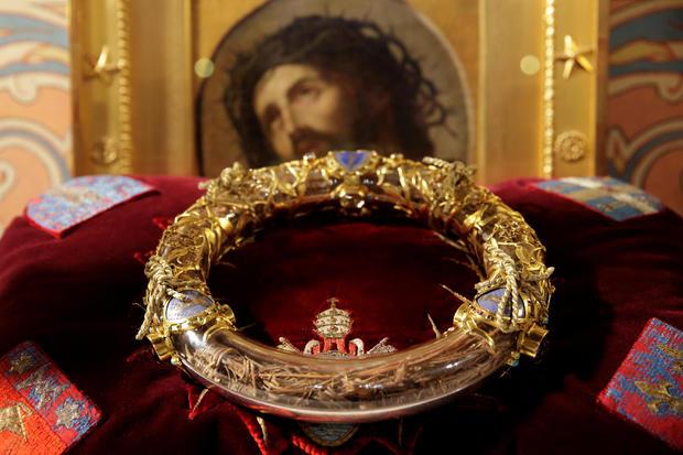 Berikut Benda yang Berhasil Selamat dan yang Tidak Dari Kebakaran Katedral Notre Dame