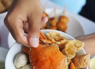 Bikin Ngiler, Ini Deretan Bakso dengan Seafood Utuh di Surabaya