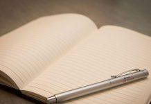 Lahir Tanpa Tangan, Gadis Ini Memenangkan Kompetisi Tulisan Tangan