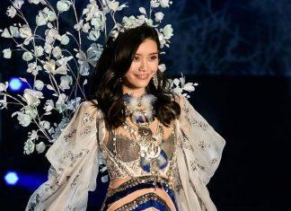 Model Victoria's Secret Ming Xi Dilamar Mario Ho dengan 99.999 Mawar