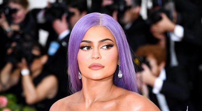 Setelah Makeup dan Skincare, Kylie Jenner akan Memproduksi Produk Rambut