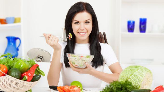 Hindari Makanan Ini agar Lambung Tetap Sehat Saat Berpuasa