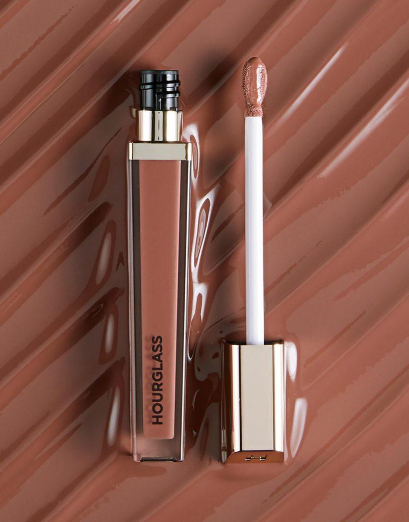 Tanpa Sensasi Menyengat, Hourglass Luncurkan Lip Gloss dengan Formula Terbaru