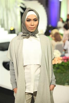 Inspirasi Fashion Muslim dari Desainer Tanah Air 'ETU'