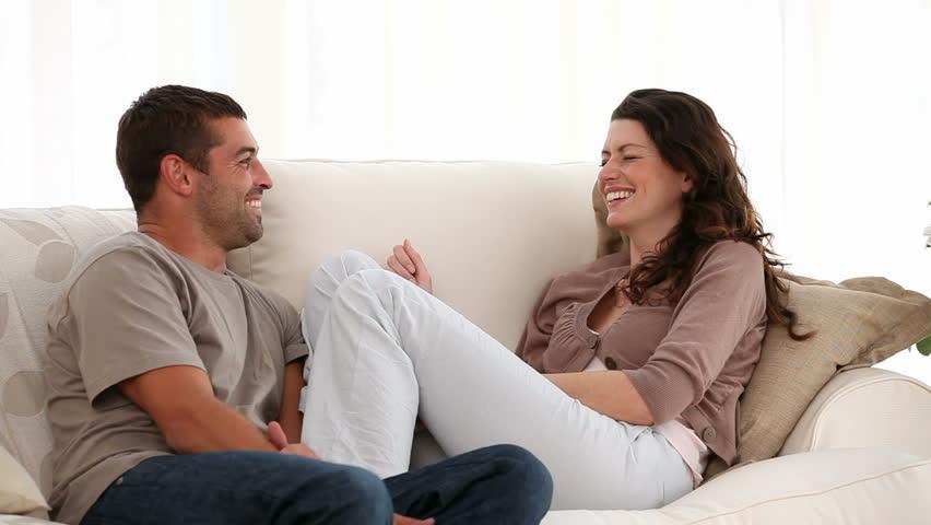 Jalin Hubungan Serius, Ini Hal Penting yang Perlu Dikomunikasikan
