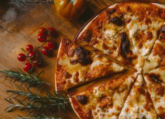 Topping Pizza Berdasarkan Zodiak Kamu
