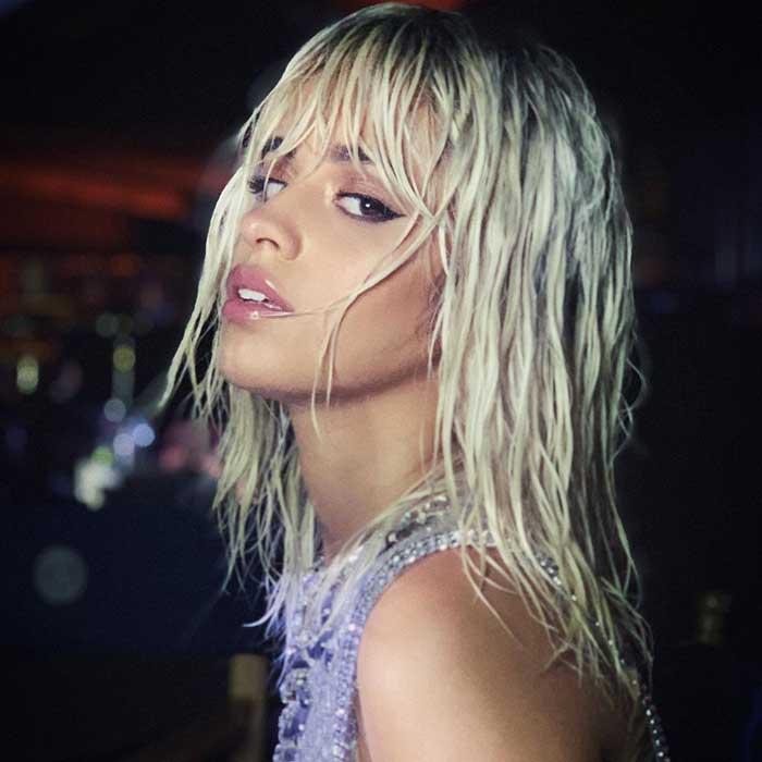 Camila Cabello Mengubah Rambutnya Menjadi Platinum Blonde