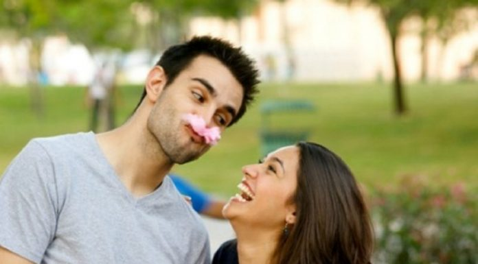 Mengelola Konflik dalam Sebuah Hubungan dengan Humor