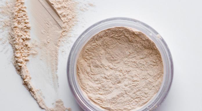 Inilah Alasan Mengapa Kamu Perlu Memiliki Setting Powder dan Cara Menggunakannya