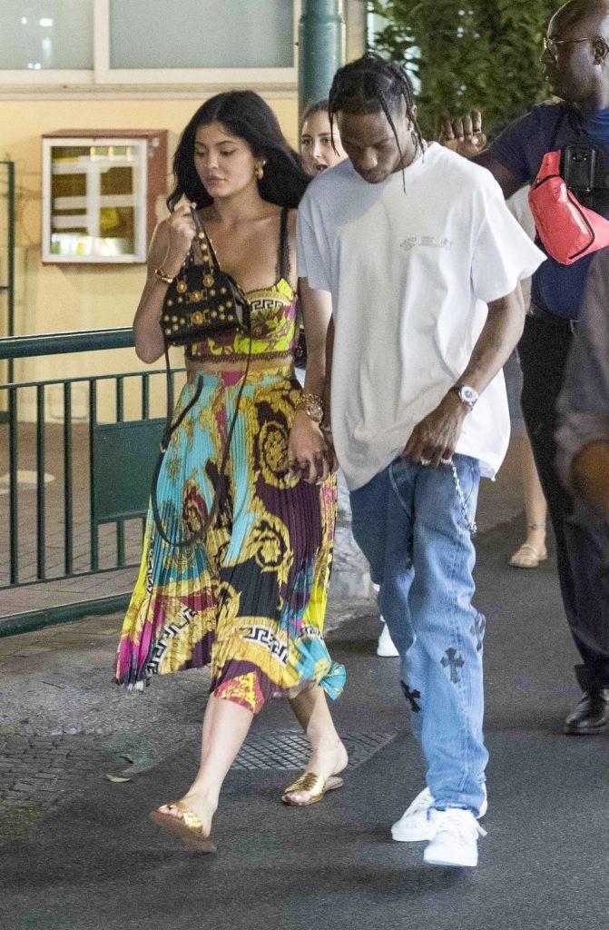 Intip Potret Mewahnya Liburan Ulang Tahun Kylie Jenner Bareng Travis Scott