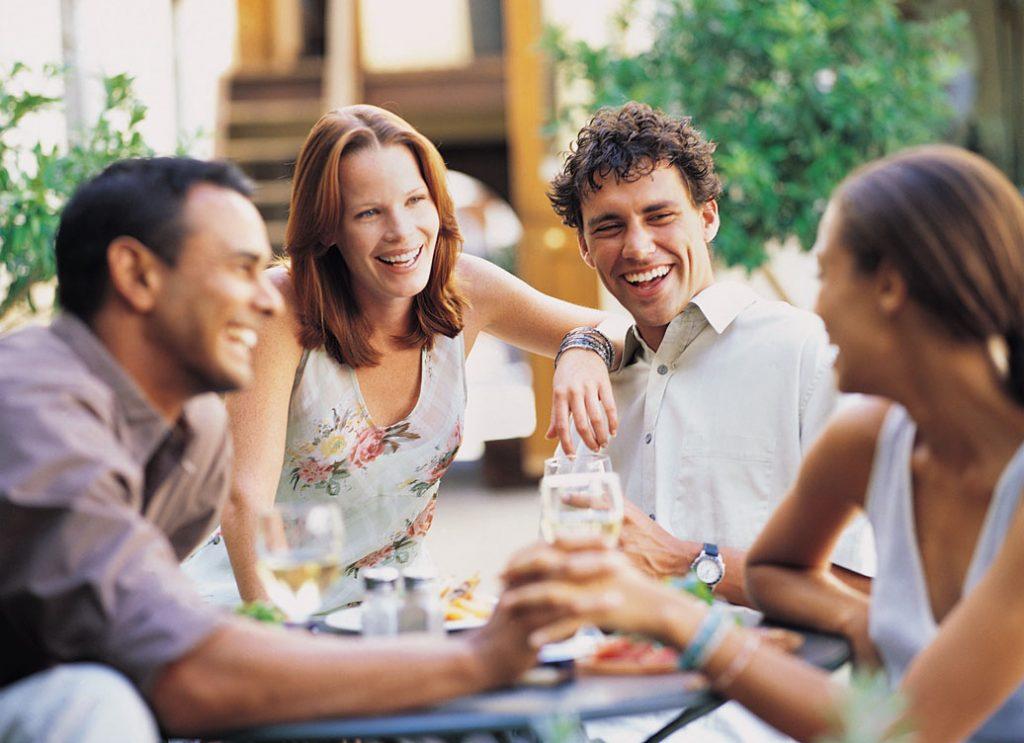 Kebiasaan Bareng Teman yang Tanpa Kamu Sadari Malah Bikin Kantong Jebol