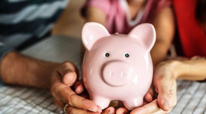 Ini Tanda Kamu Mengalami Financial Abuse dari Pasanganmu