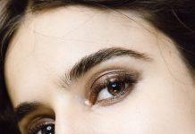 Tren Eyeshadow Terhits: Glossy Eyeshadow