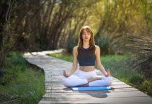 Ringankan Nyeri Punggung dengan Gerakan Yoga Ini