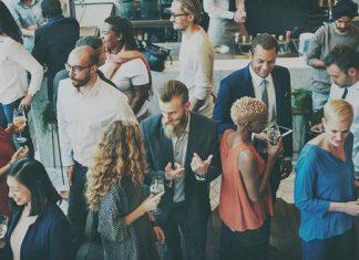 Berteman dan Networking, Apa Sih Bedanya?