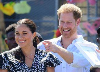 """Ratu Elizabeth Dilaporkan """"Puas"""" Dengan Royal Tour Meghan Markle dan Pangeran Harry"""