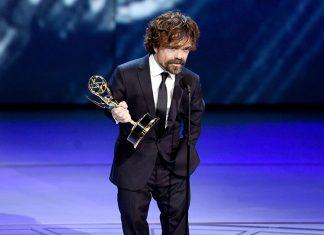 Emosional, Peter Dinklage Cetak Rekor Dengan Trofi Aktor Pendukung Untuk 'Game of Thrones'