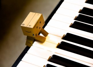7 Lagu Cinta Buat Kamu yang Susah Ngungkapin Perasaan ke Gebetan