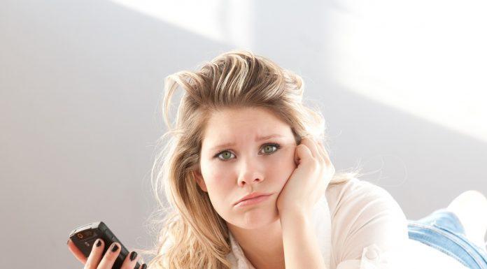 5 Tanda Mantan Menyesal Putus Denganmu