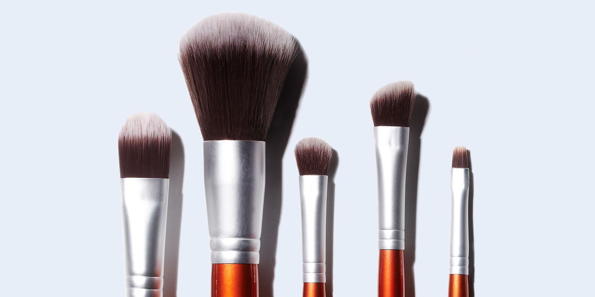 5 Langkah Efektif Bersihkan Makeup