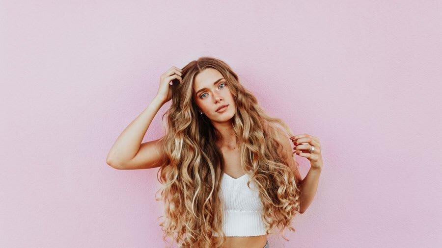Deretan Kandungan Vitamin Rambut Terbaik Menurut Para Ahli Kecantikan