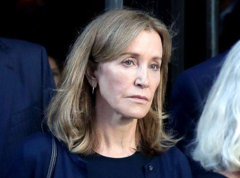Penetapan Hukuman Felicity Huffman atas Keterlibatannya dalam Skandal Suap Penerimaan Mahasiswa