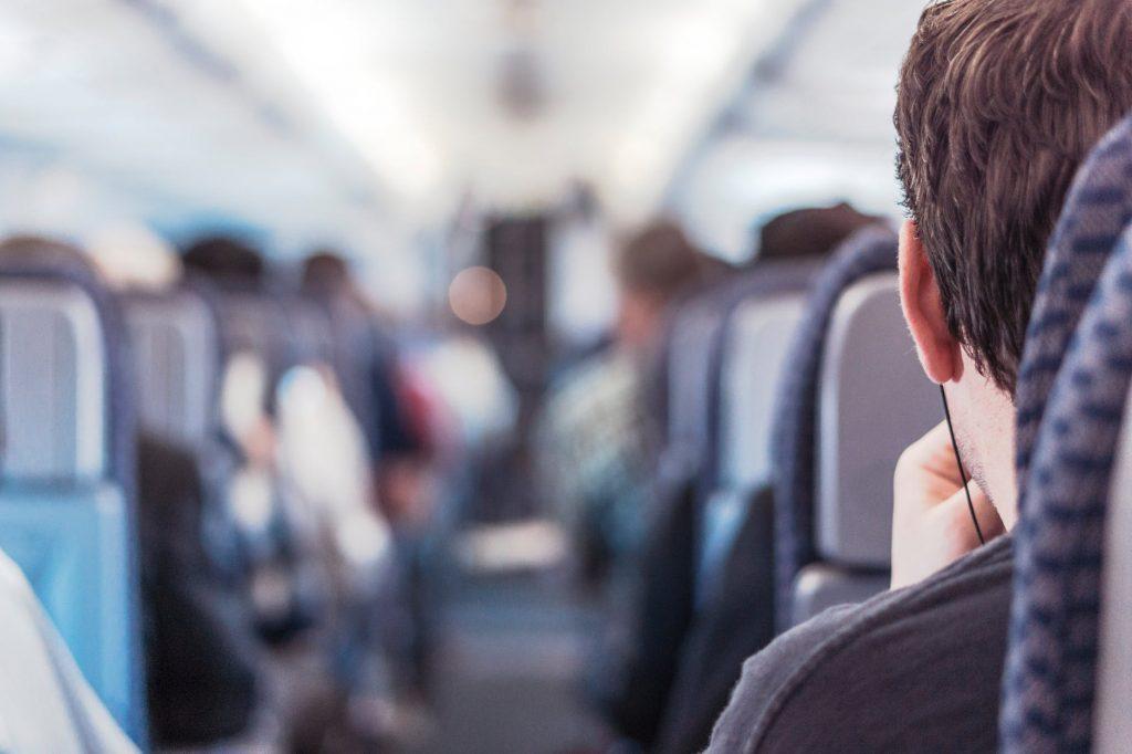 Hal Paling Tidak Sopan yang Dilakukan Penumpang dalam Pesawat