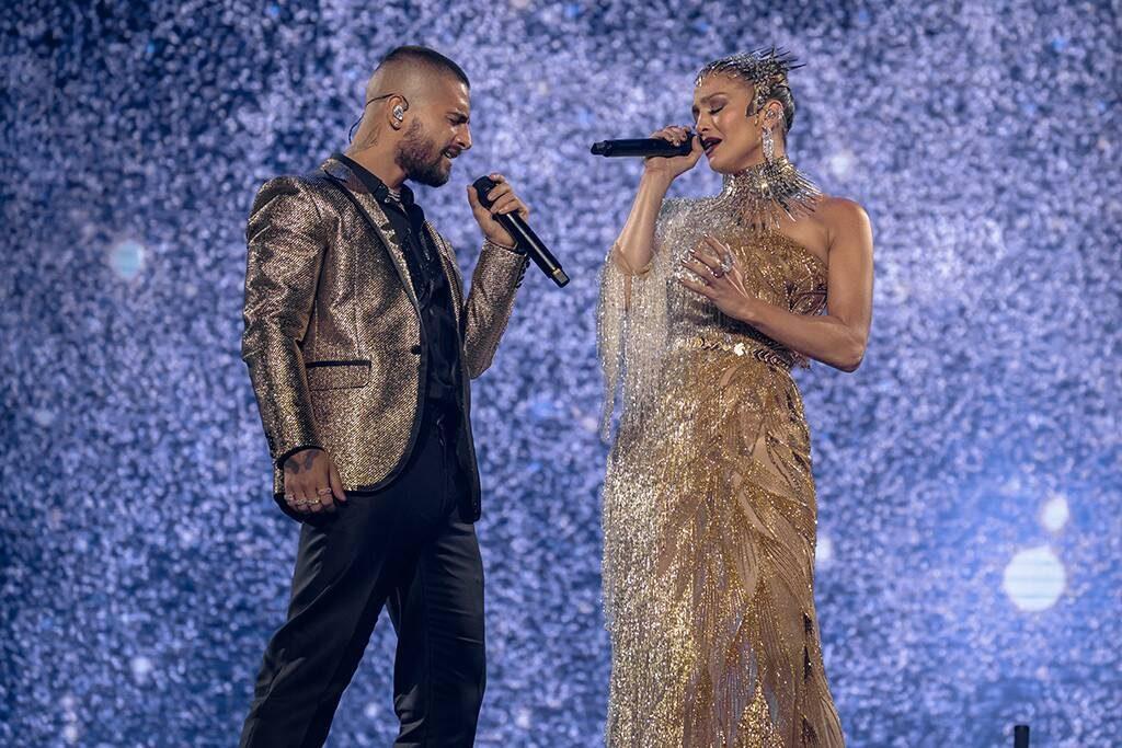 Kemunculan Mengejutkan Jennifer Lopez di Konser Maluma