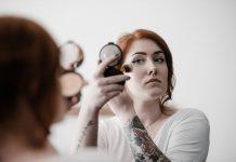 5 Kesalahan saat Pakai Blush On yang Bisa Bikin Tampilan Jauh Lebih Tua