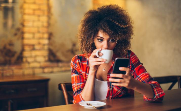 Hubungan Pertemanan Berakhir, Ini Alasan Kamu Perlu Berhenti Menyalahkan Diri Sendiri