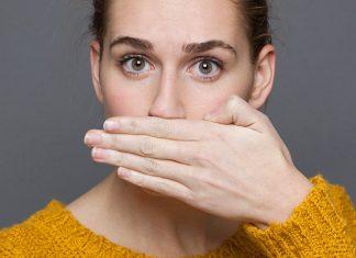 Alasan Bau Mulut, Mulai dari Dehidrasi Sampai Efek Samping Diet!