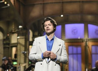 Harry Styles Sindir Mantan Member One Directions Zayn Malik di 'Saturday Night Live'