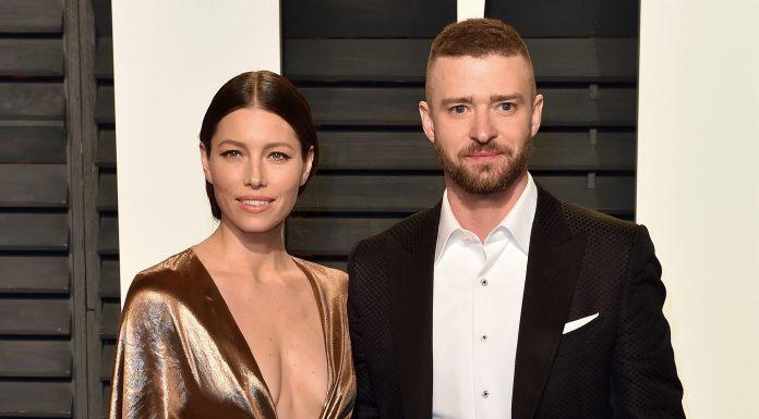 """Jessica Biel Tanggapi Foto Mesra Justin Timberlake dan Alisha Wainwright Sebagai """"Terlalu Banyak Minum"""""""