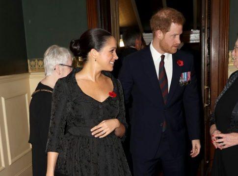 Meghan Markle dan Prince Harry Tunjukan Kemesraan di Royal Festival of Remembrance