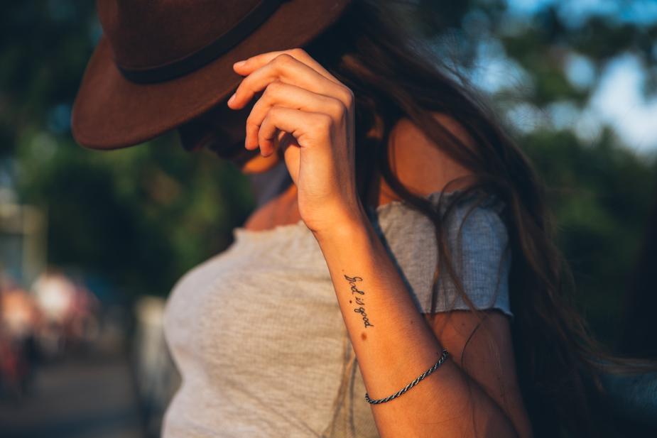 Muncul Alergi dan Infeksi dari Tato Lama? Ini Alasannya