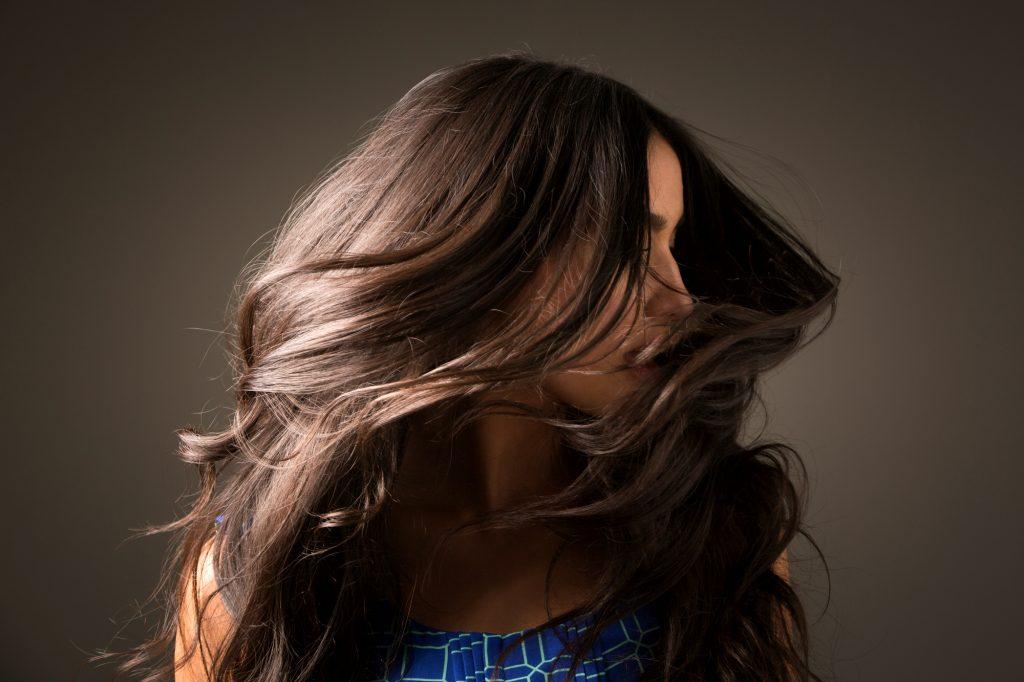 Trik Bikin Rambutmu Tampak Super Berkilau dan Sehat