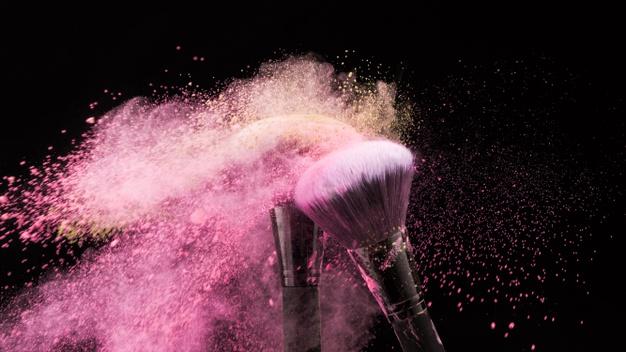 Tips Menghilangkan Noda Makeup dari Pakaian