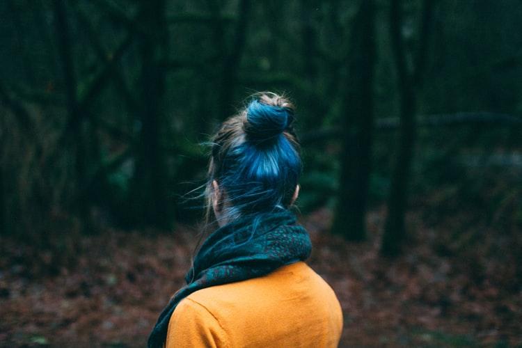 Tren Warna Rambut Terbaru dari Pantone Color of The Year 2020, Classic Blue