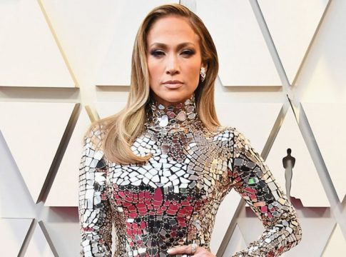 Jennifer Lopez Ajarkan Kemandirian pada Putrinya Melalui Film Hustlers
