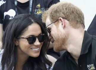 Pangeran Harry dan Meghan Markle Umumkan Keputusan Mundur Dari Kerajaan Inggris