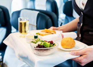 Ini Lho Alasan Makanan Memiliki Rasa Berbeda Saat di Pesawat