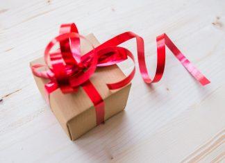 Bikin Anniversarymu Makin Manis dengan 5 Inspirasi Kado Ini