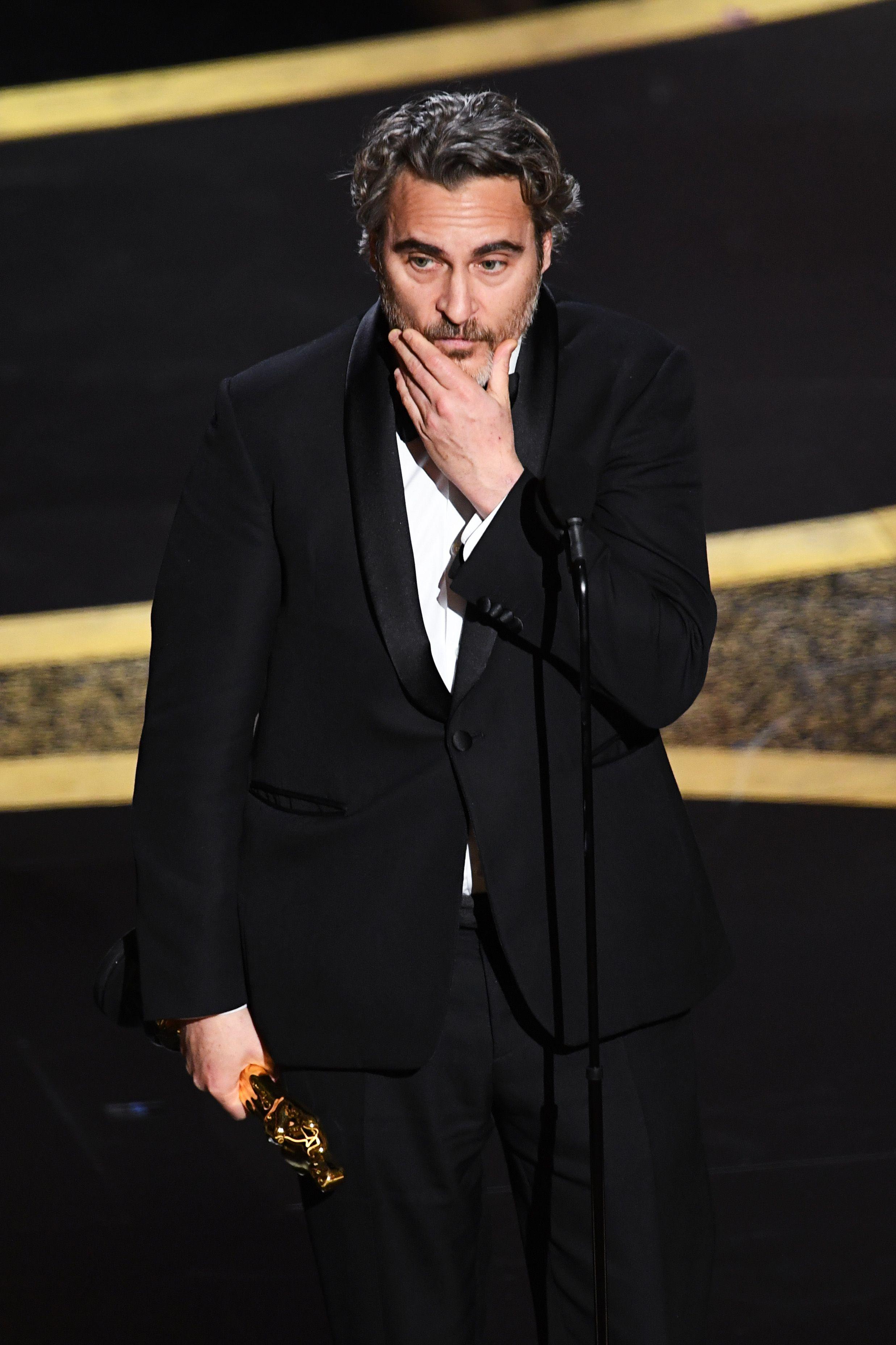 Joaquin Phoenix Beri Pidato Menyentuh Usai Raih Penghargaan Best Actor di Oscar 2020