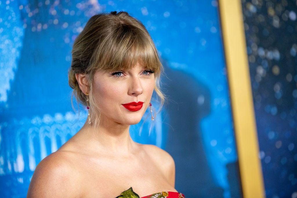 Taylor Swift Tanggapi Permintaan Maaf Nikki Glaser Setelah Lakukan Body Shaming