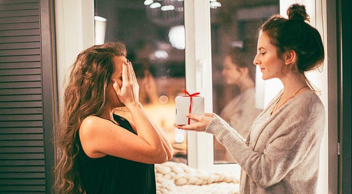 Ide Hadiah Untuk Teman yang Stres Berat