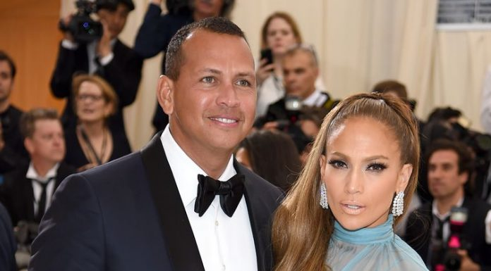 Tak Datang Oscar 2020, Jennifer Lopez dan Alex Rodriguez Double Date Dengan Meghan Markle dan Prince Harry?
